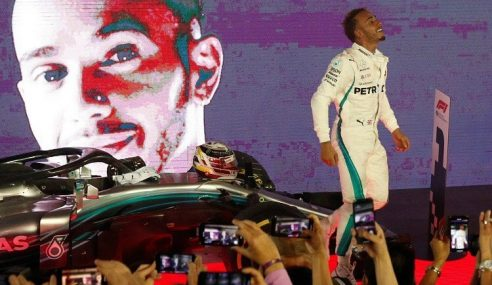 Hamilton Extends Championship Lead to 40 Points After Singapore GP Win